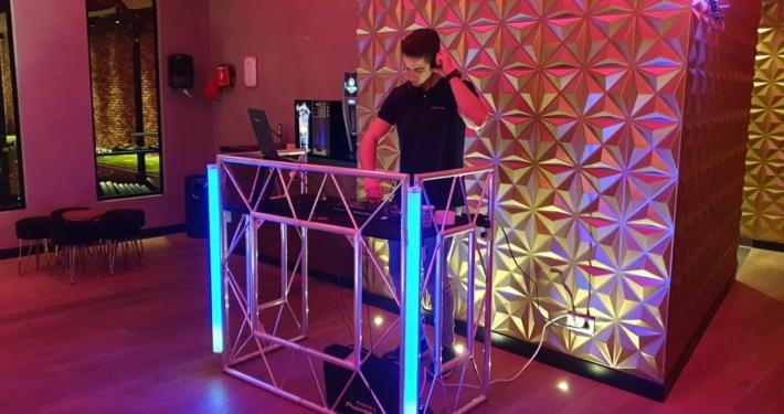 Live DJ bij The Fitness Lounge!